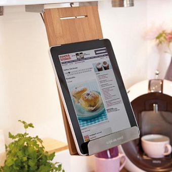 tablet und kochbuchhalter f r die k che geschenke auswahl. Black Bedroom Furniture Sets. Home Design Ideas